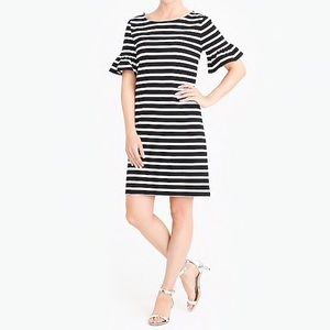 J. Casual dress with ruffles sleeves